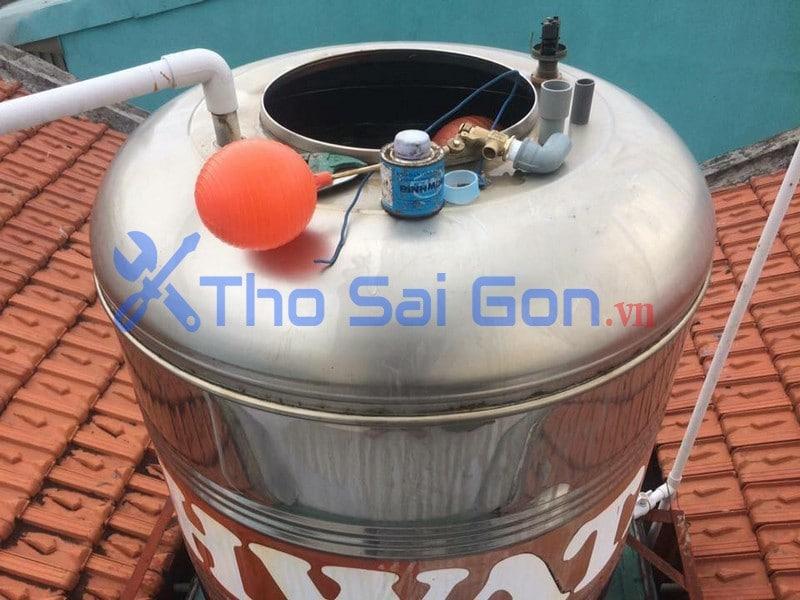 Lắp đặt phao cơ cho hệ thống bồn nước inox