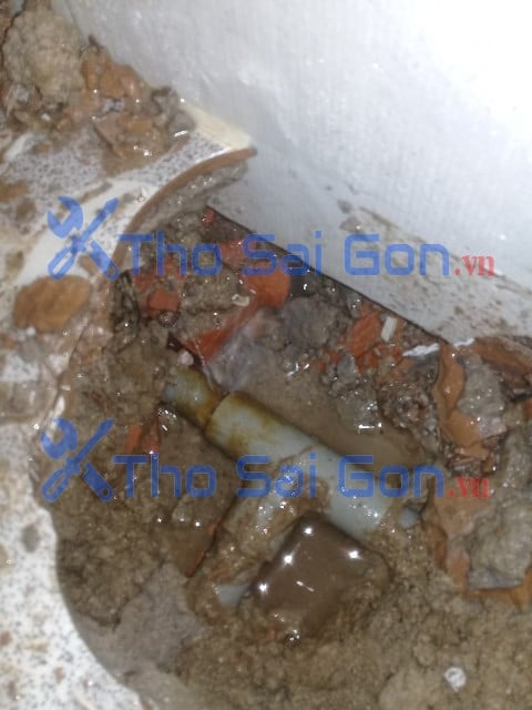 Xử lý ống nước bể âm - Gây tốn tiền nước Tại quận 12