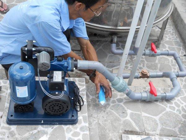 Lắp máy bơm nước, thợ điện lạnh bình thạnh, sửa máy lạnh bình thạnh